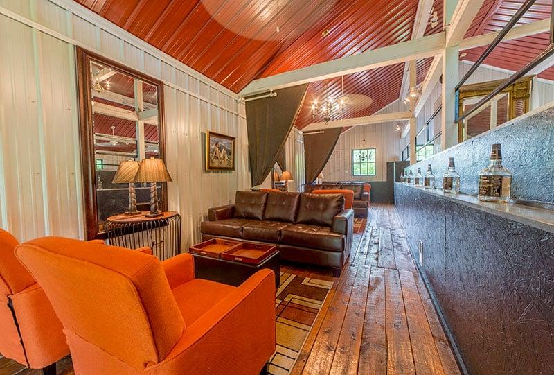 lounge_pg_11